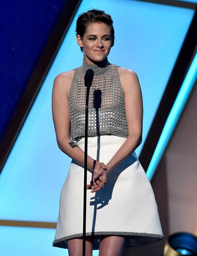 Kristen Stewart nipple slip