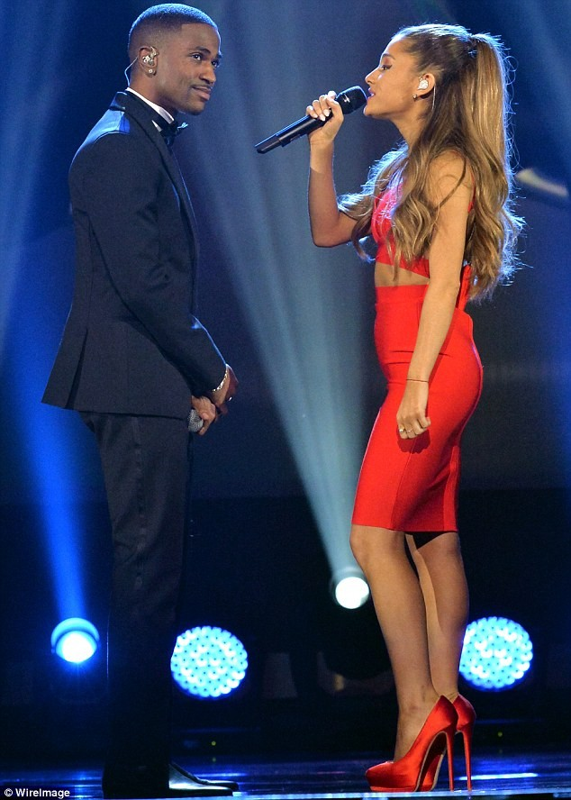 Ariana Grande and Big Sean kiss